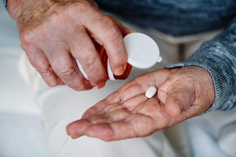 Artigo: O papel da farmacêutica num residencial geriátrico