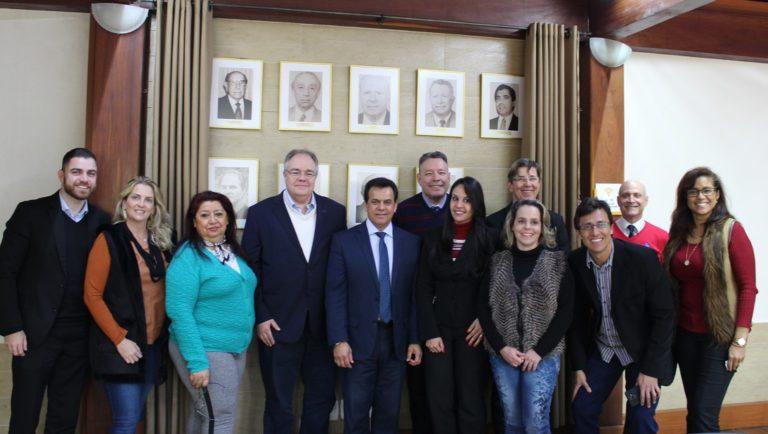 Vereador apresenta projeto de lei ao Núcleo de Residenciais Geriátricos