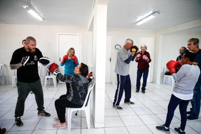 Veja como o boxe ajuda pacientes com Parkinson a combater os sintomas